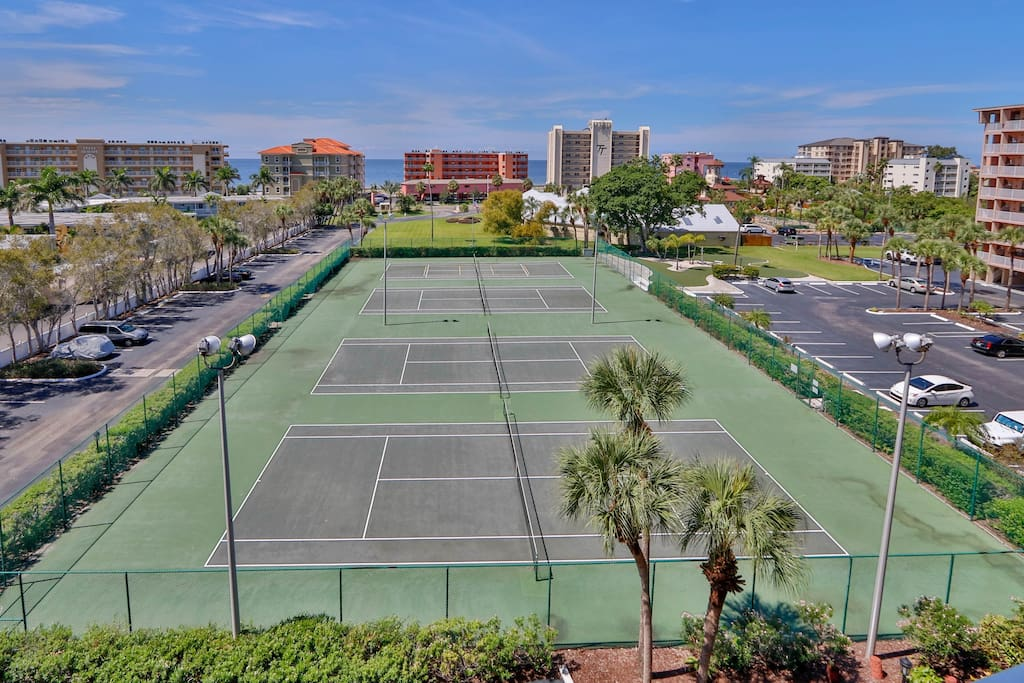 4 tennis courts, 2 lighted