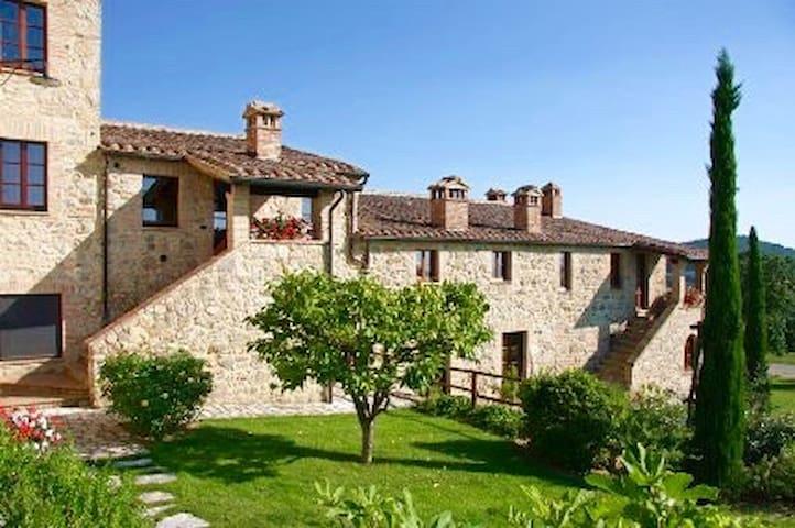"Cottage ""Diospero"" in Tuscany - Sarteano - Siena"