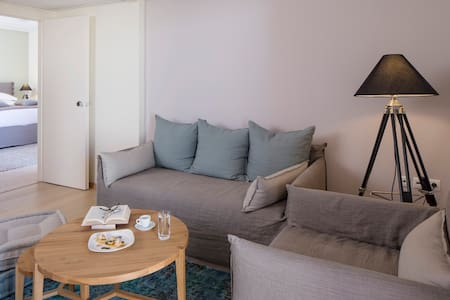 The Penthouse - Marousi - Bed & Breakfast