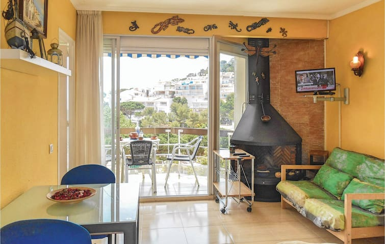 Holiday apartment with 2 bedrooms on 40 m² in Tossa de Mar