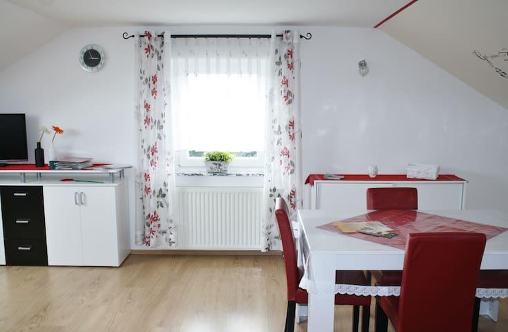 Ferienwohnung Lotte (für Monteure) - Leipheim - Apartment