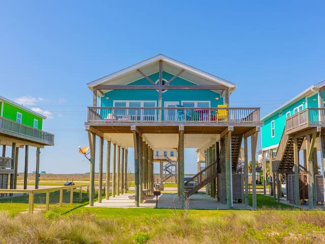 MoonStone Oceanfront; Beach access! Great finishes throughout. Very Peaceful