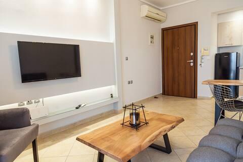 Ntina's apartment