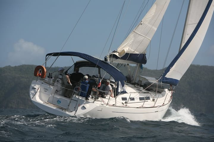 """GIRL"" Navigation en Monocoque de 13.76 m"