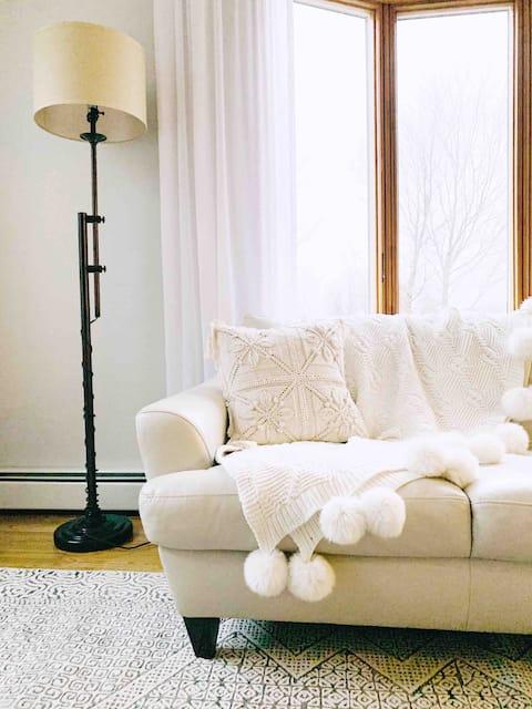 Modern Utica's Luxury Suite Retreat