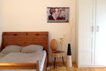 Gemütliches Zimmer in Kreuzberg (Bergmannkiez) - Berlin - Wohnung