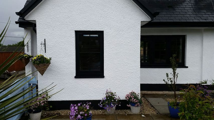 2 bedroom house near Oban with hot-tub