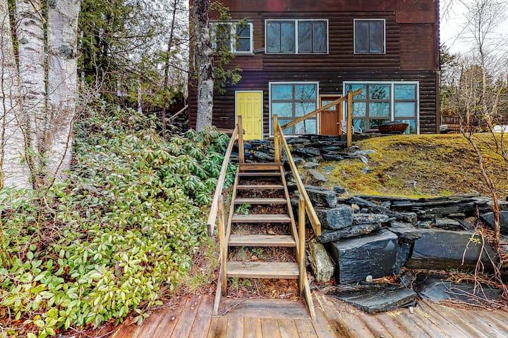 Lakefront cabin w/ dock access, gas fireplace & firepit - 2 dogs OK!