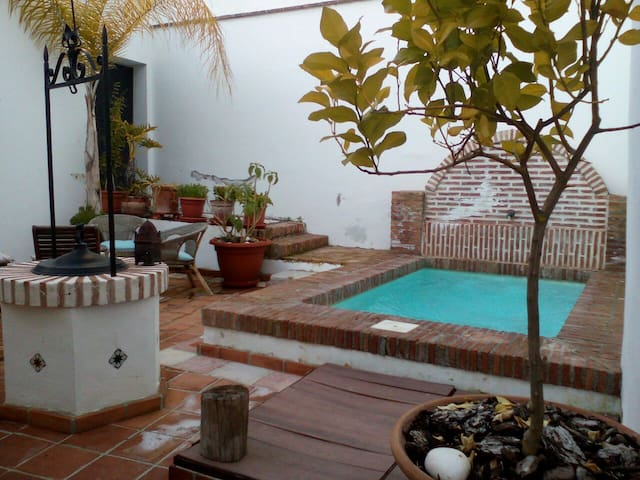 AndalusianPatio-Sunny swimming pool - Granada - Villa