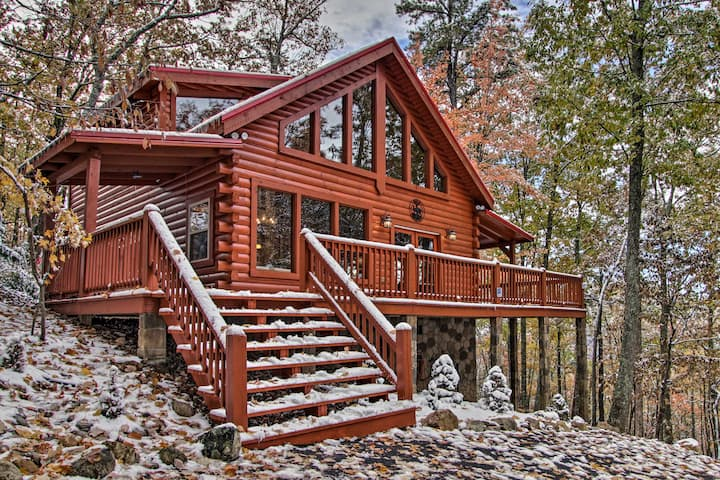 Secluded Smoky Mountain Retreat w/Wraparound Deck!