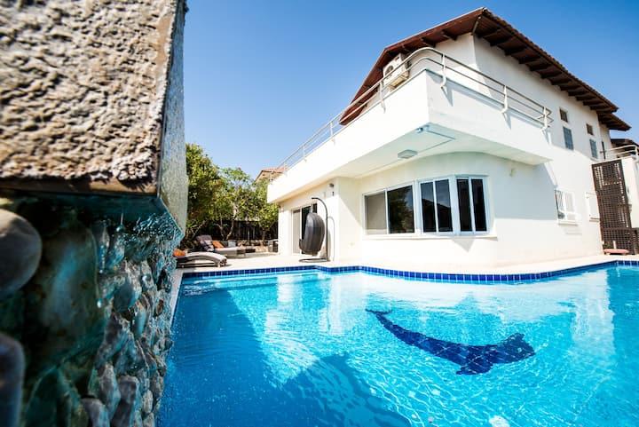 Villa Topaz  וילה טופז