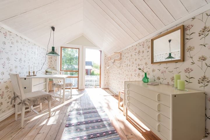 Cosy cottage in romantic syle