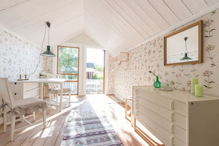 Cosy and romantic cottage - Gunnesbo - Cottage
