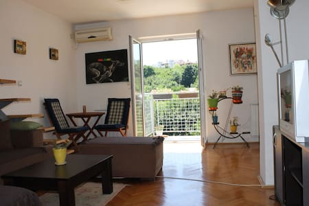 Relaxing View - Affordable & Lovely Green Bright - Belgrad - Apartament