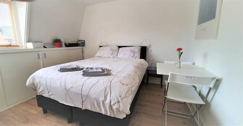 Private clean room near Utrecht and Amsterdam