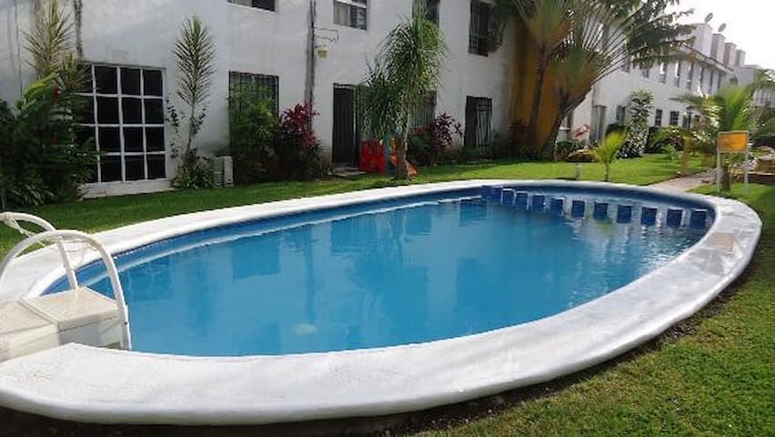 ROOM WITH BATHROOM WIFI A/C POOL - Cancun - Villa