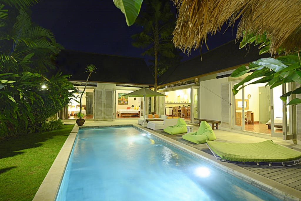 Swimming pool with relax area