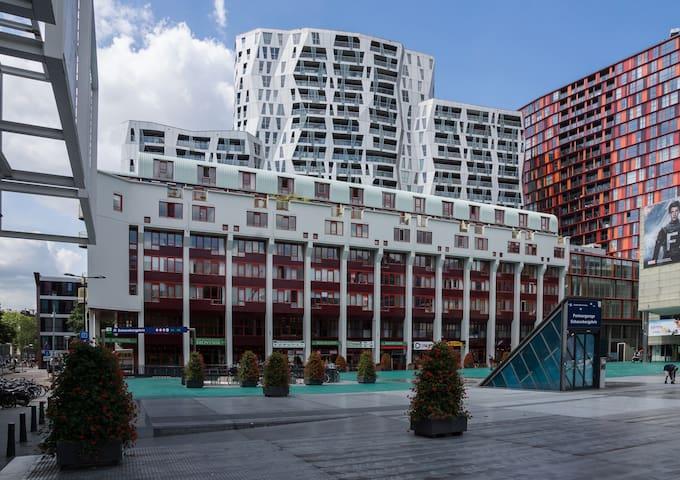 App met uitzicht op schouwburgplein apartments for rent for Bios rotterdam