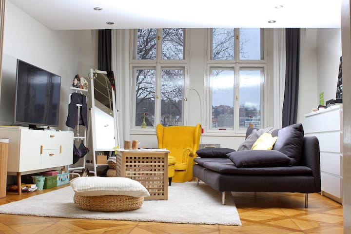 Artistic flat, ideal for a couple