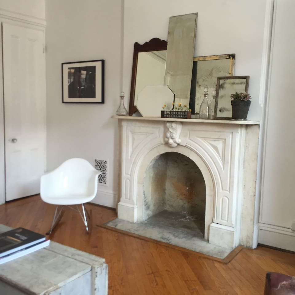 sunny 2 bedroom brownstone apt apartments for rent in brooklyn