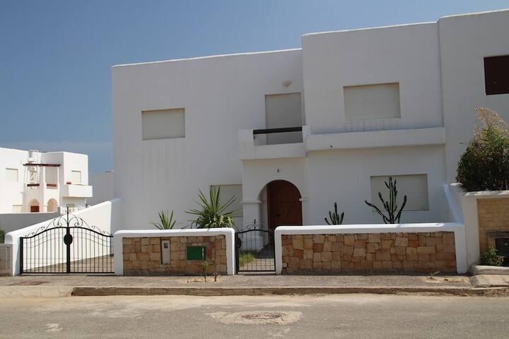 Maison Luxieuse bord de mer - Marina Smir - Hus