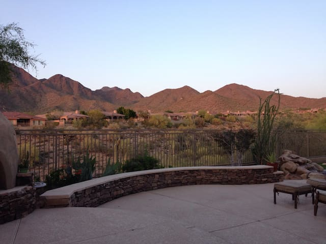 Studio/1-bed in gated community. - Scottsdale - Villa