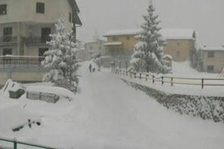 Appartamento in bassa montagna - San Giacomo - Flat