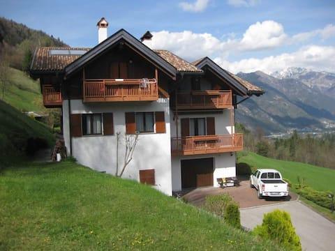 Casa nel verde ai confini di Parco Adamello Brenta