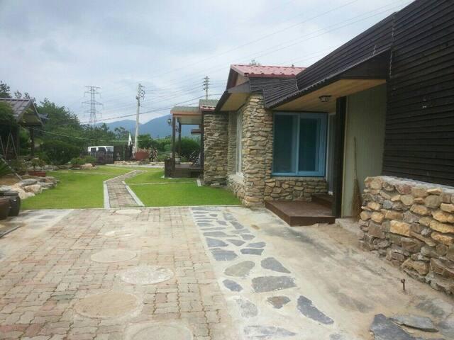 대흥사근처 바베큐와 텃밭체험이 가능한 편백나무 전원주택 - 해남군 삼산면 신흥리 - Villa