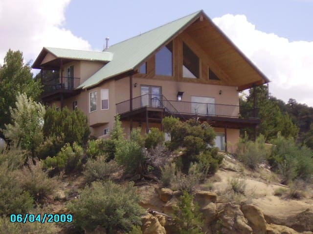 Secluded Animas River View Retreat - Aztec - Huis