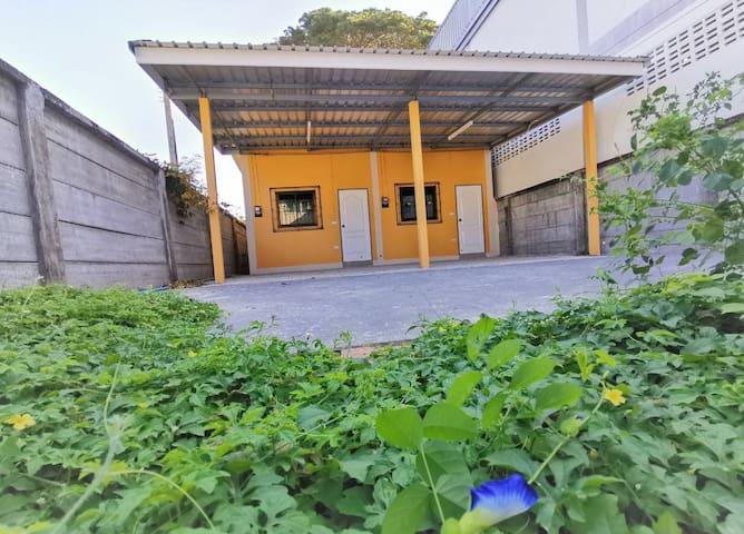 BAN YA MOL Garden: 2 Private Room