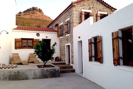 Marvelous stonehouse on Lesbos - Eresos - House
