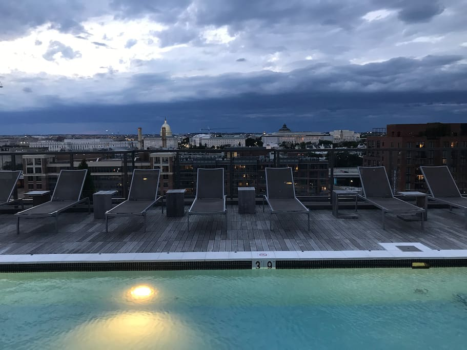 Rooftop pool with a view of the Capitol