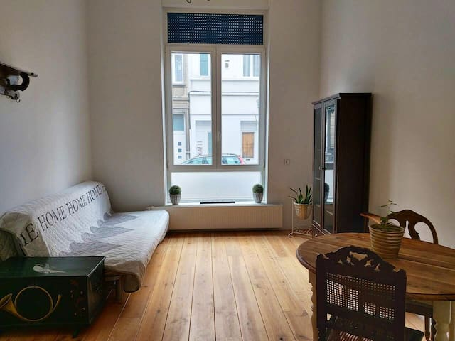 Cosy flat &Perfect location PLACE FLAGEY/ F.Cocq