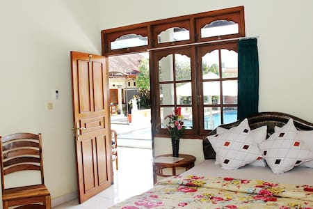 Poolside Double Room Warung Coco. - Kuta