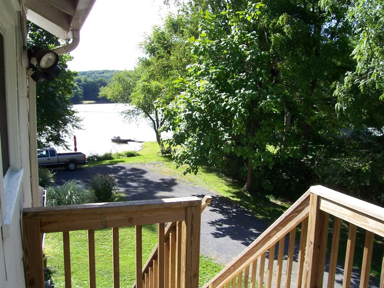 Small deck with view and access to the Esopus Creek!