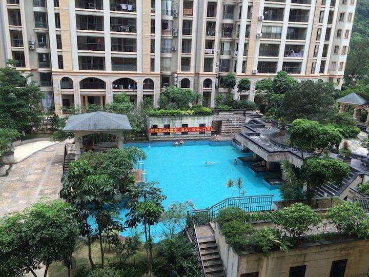 华府一号:现代公寓套间,座落在太和风景区和百步梯旁,安静舒适方便