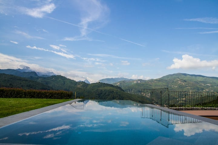 Infinity-pool, relaxing terrace, enhanced cleaning