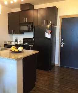 1 bedroom condo 2067435211 - University Place - Appartement