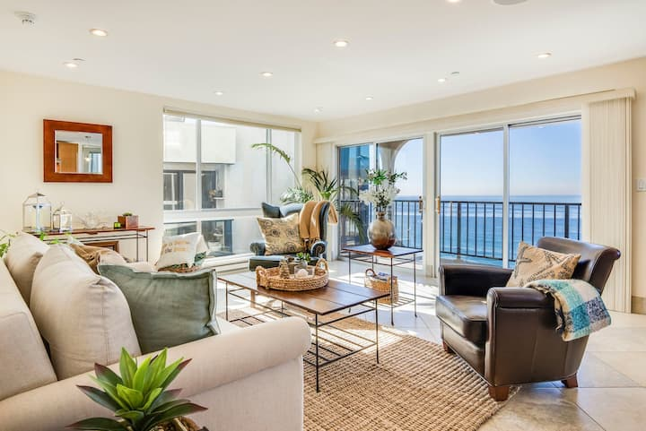 To Live, live by the Sea-Gorgeous Oceanfront Condo