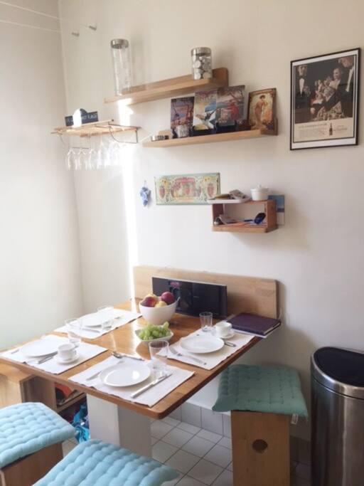 Kjøkken bord, Kitchen table