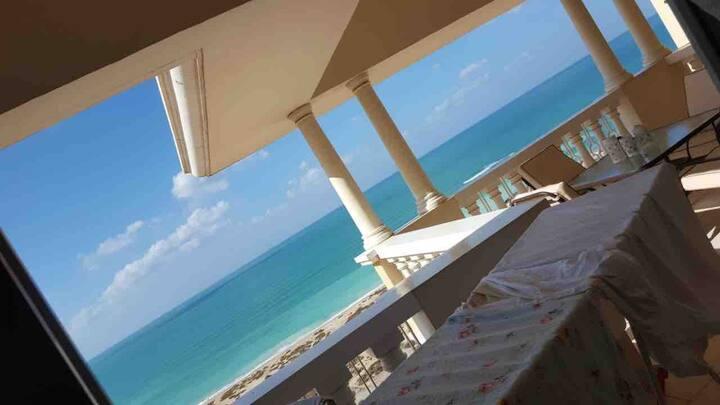 Amazing 1 bedroom with big terrace, best sea view