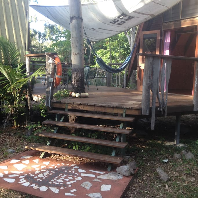 5 Star Beach House Kitchens: Cottages For Rent In Nelly Bay, Queensland