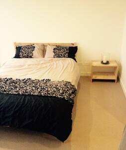1 large bedroom on Chapel Street
