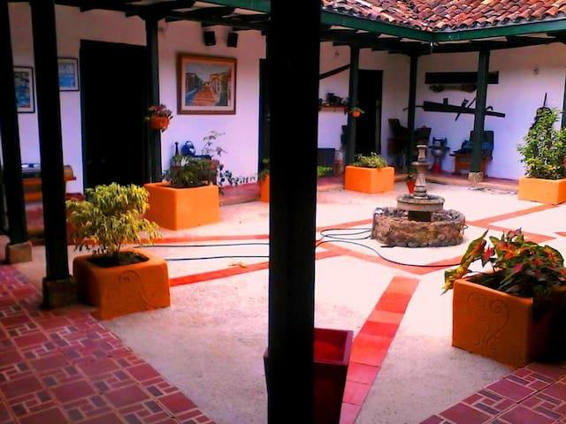 B&B in beautiful colonial house - Puente Nacional - Bed & Breakfast