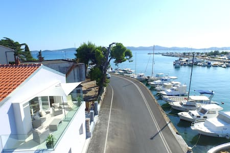 Cool studio seafront apartment - Zadar