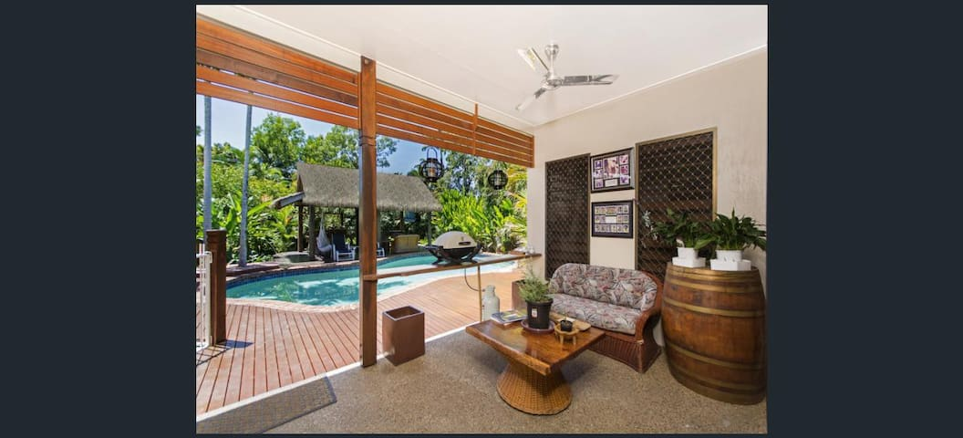 Entire beautiful tropical Palm Cove large house - Palm Cove - Haus