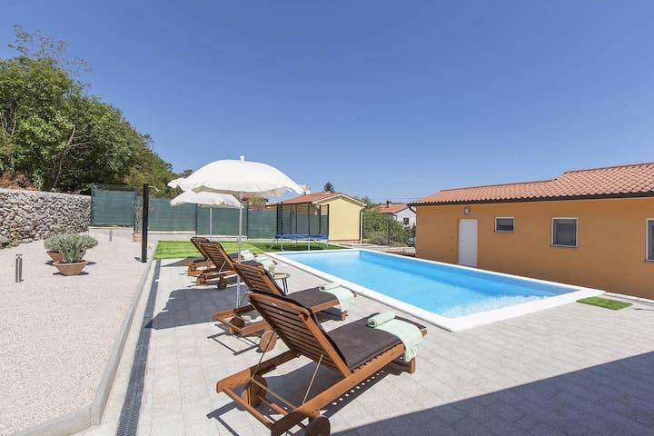 Modern Villa Aurea with pool and lounge area