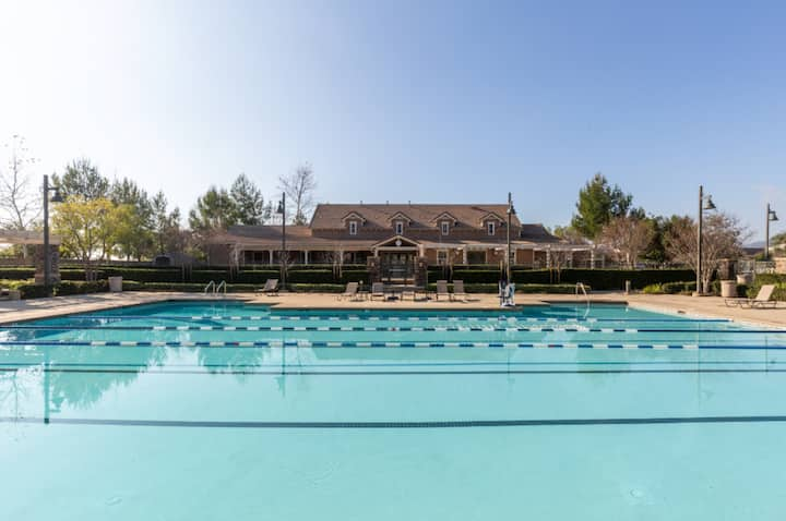 Large 3 Bedroom House in Sunny California!