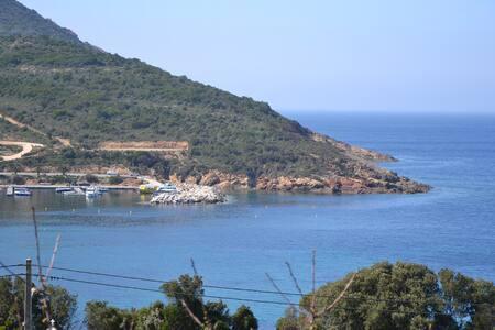 Roc A Mare, appart dans Maison magnifique vue mer